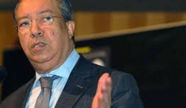 Nacer Mehal, ministre de la Communication veut réglementer la presse électronique.
