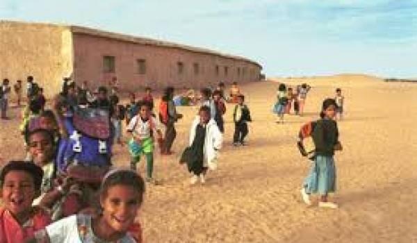 Les enfants sont vite jetés dans la rue sans bibliothèques, ni aires de loisirs.