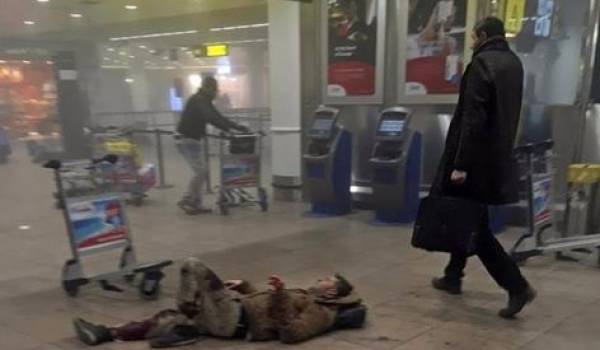 L'IMAGE qui choque la Belgique : l'homme à la malette