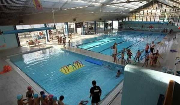 Des horaires sont réservés aux garçons et filles juives dans cette piscine municipale de Savoie.