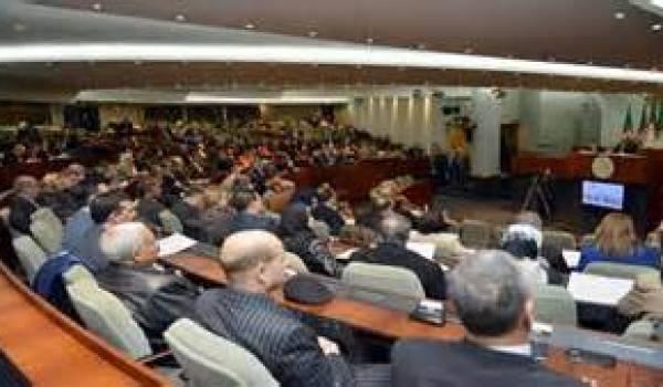 Le parlement algérien a avalisé un énième viol de la constitution.