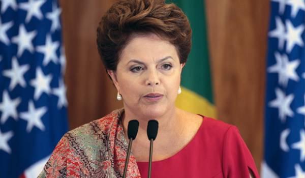La présidente brésilienne menacée de destitution pour corruption.