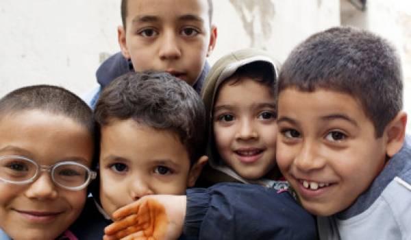 Les enfants en Algérie victimes d'une société violente.