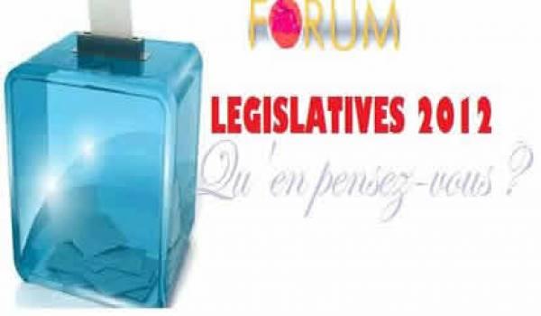 Exacte copie des précédentes, les contours de l'assemblée sont dessinés sous les couleurs du FLN.