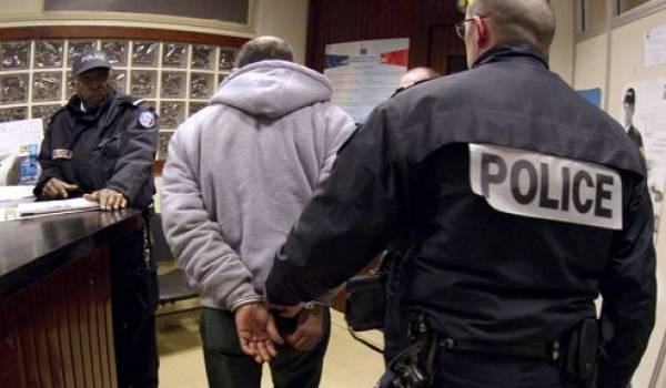 Des étrangers arrêtés violemment