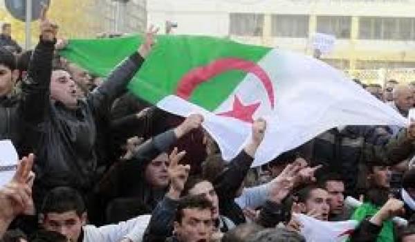 La population algérienne croît chaque année sans que les infrastructures ne suivent.