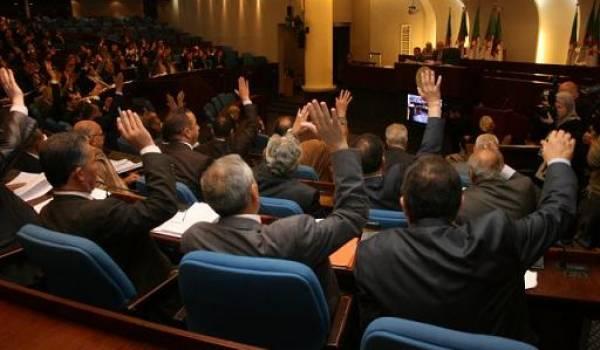 Le projet de loi de finances adopté par l'APN acquise aux partis du pouvoir.