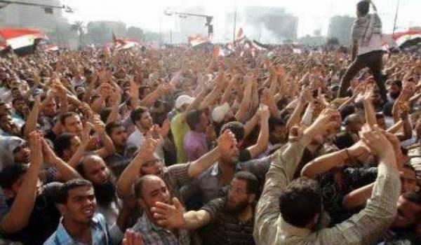 Les révolutionnaires sont sortis dans la rue, les islamistes sont rentrés chez eux.
