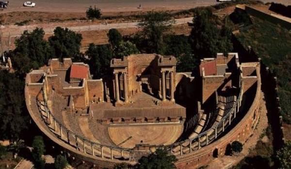 Lancer un vrai plan pour le tourisme et la réhabilitation du patrimoine national est une des urgences.