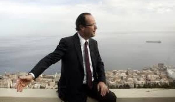 François Hollande lors de son voyage en décembre 2010 à Alger.