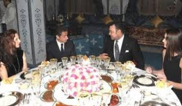L'ancien président français accueilli par le roi.