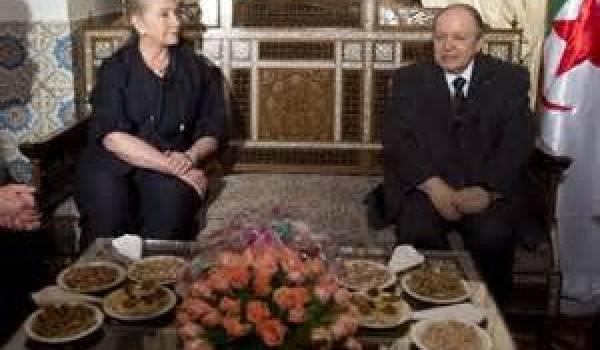 Abdelaziz Bouteflika recevant Hillary Clinton