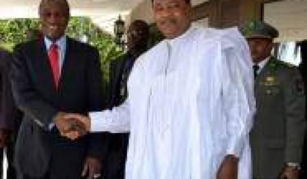 Les présidents nigérien et guinéen.