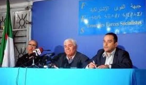 Rachid Hallet, Ali Laskri et Chafaa Bouaiche.