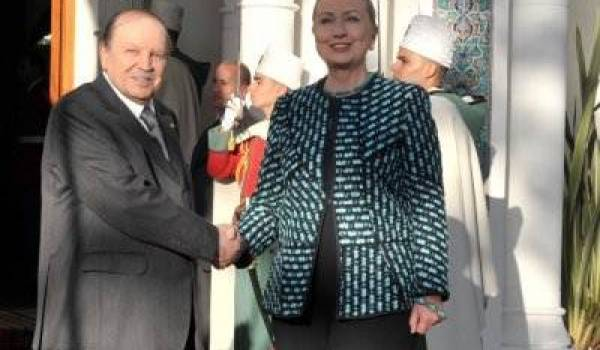 Hillary Clinton reçue par Abdelaziz Bouteflika en février dernier