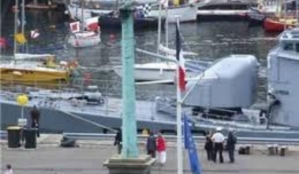 Le canon est érigé depuis 1833 sur la rade de Brest.