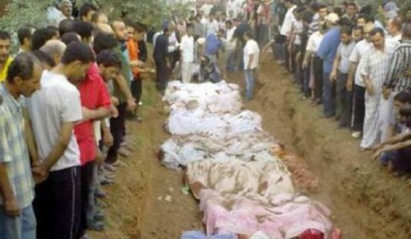Enterrement collectif des victimes.