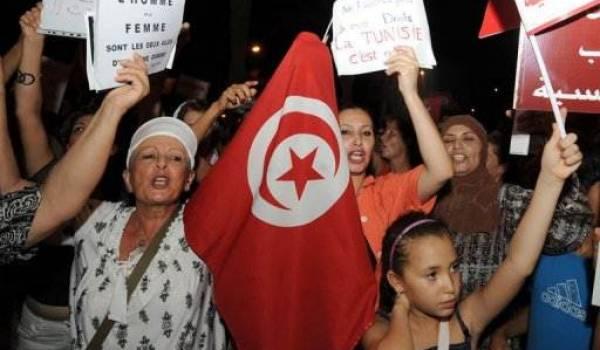 Les Tunisiennes sont sorties dans la rue lundi soir.