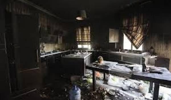 Le consulat américain a été attaqué et brûlé. Washington parle d'une attaque d'Al Qaida.