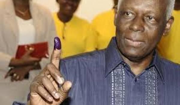 Dos Santos sera réélu président de l'Angola.