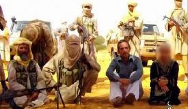 La France ne tient pas compte des menaces d'Aqmi de tuer les 4 otages français.