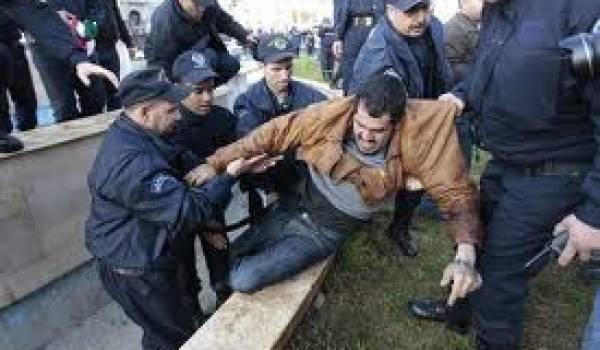La police a emmené le militant vers une direction inconnue.