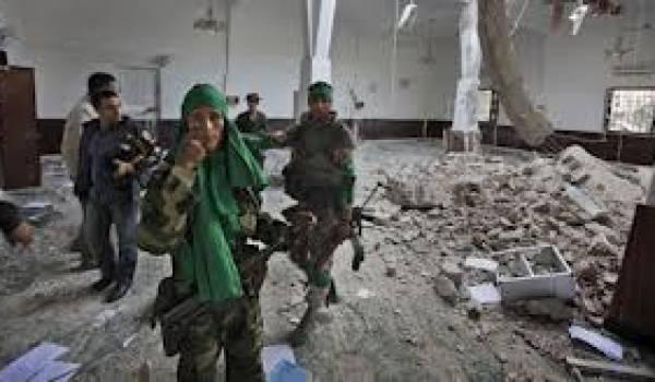 Les partisans de l'ancien régime ne veulent pas désarmer.