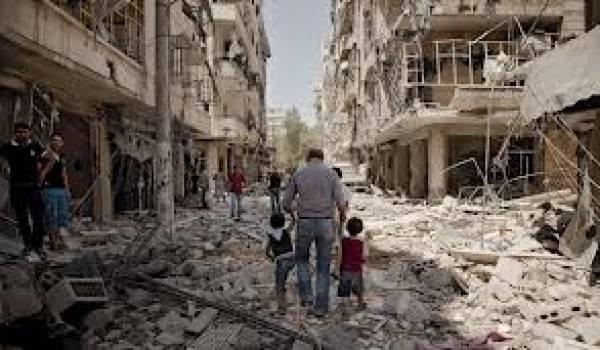 Les villes syriennes détruites par les bombardements de l'aviation et de l'artillerie du régime.