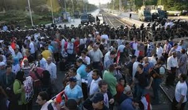 La rue vent debout contre le président Mohamed Morsi