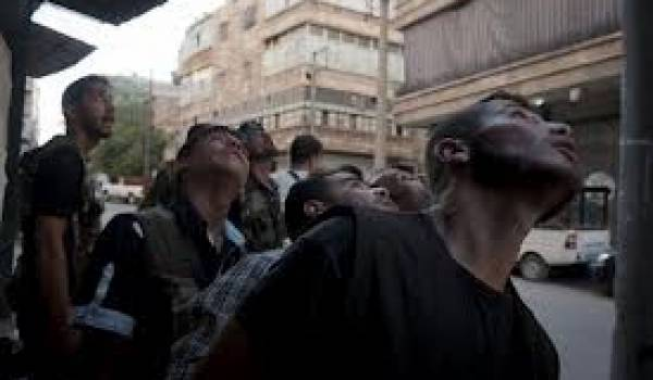 L'aviation du régime syrien bombarde la capitale et d'autres villes du pays.