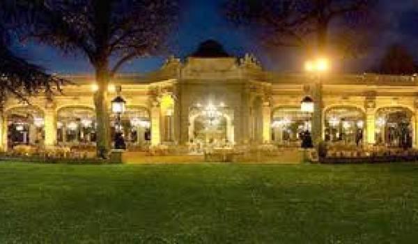 Pavillon Dauphine à Paris où aura lieu la fête.