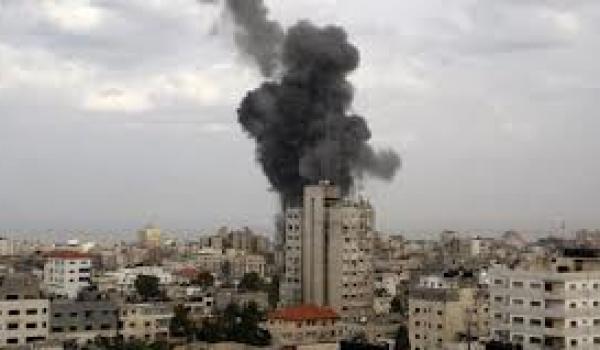 Malgré les appels au cessez-le-feu, l'armée israélienne pilonne l'enclave de Gaza.