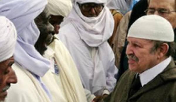 En dialoguant avec Ansar Eddine, Bouteflika cautionne ses mutilations, flagellations infligées aux populations maliennes au nom de la chari'a.