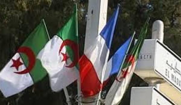 La venue du président français s'inscrit sous le signe des affaires économiques.