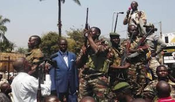 Bruits de bottes à Bangui.