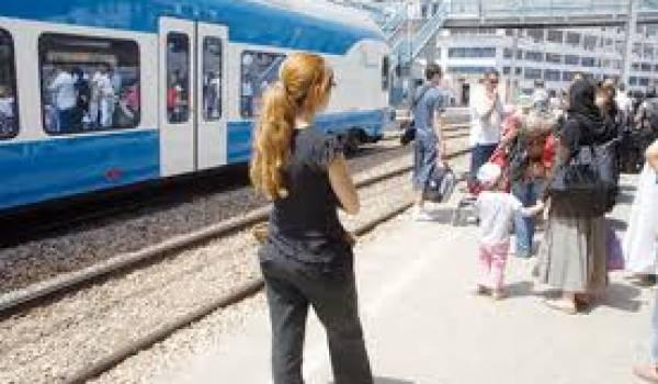 Les femmes sont particulièrement visées par les agressions dans la rue.