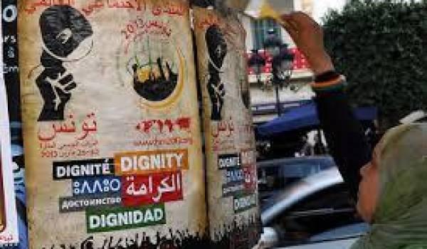 Une délégation de 96 militants a été empêchée aux frontières algéro-tunisiennes de quitter le pays pour participer au Forum social mondial.