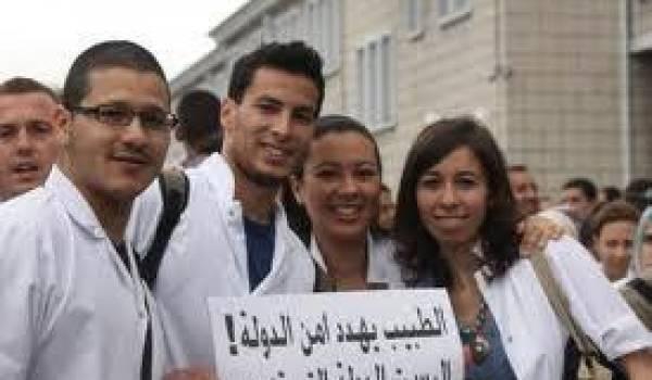 Des médecins résidents algériens.