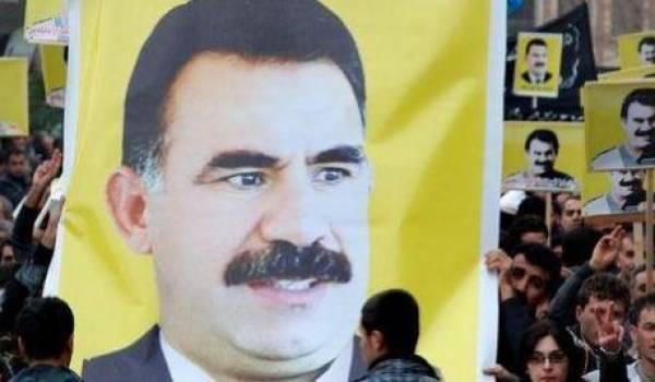 Des centaines de Kurdes célébraient aujourd'hui le printemps avec des portraits du leader emprisonné.