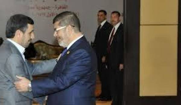 Les présidents Ahmadinadjad et Morsi.