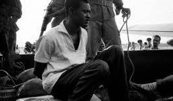 Patrice Lumumba, lors de son arrestation.