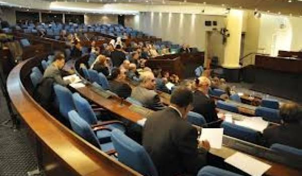 Le parlement algérien joue le rôle de caisse de résonance du pouvoir.
