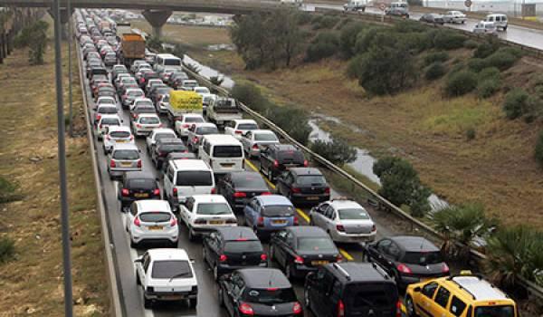 Depuis plus de dix ans l'axe routier Alger Tizi-Ouzou est devenu un enfer pour les automobilistes et les voyageurs.