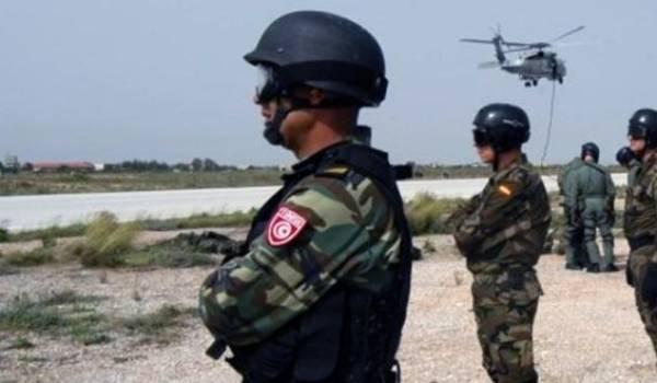 Des forces terrrestres algérienne et tunisienne combinées avec l'aviation mènent l'opération.