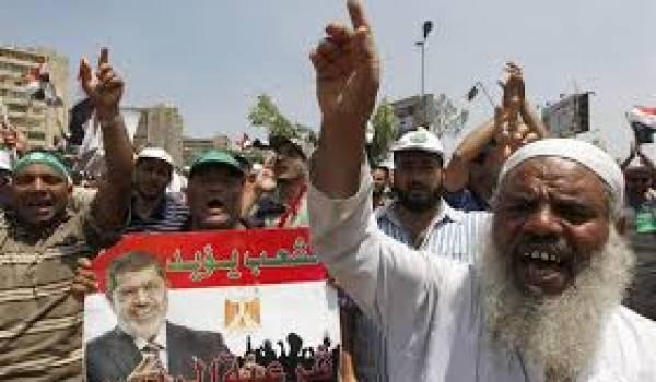 Les bouleversements que vit l'Egypte montrent les limites de l'utilisation de la religion en politique.