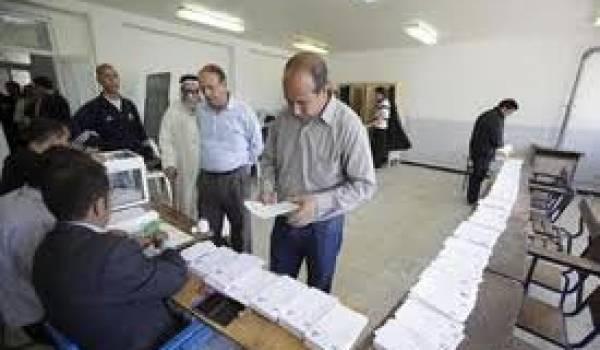 """Les élections en Algérie sont un élément important de l'échafaudage de manipulations successives du """"cabinet noir""""."""