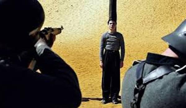 Guy Moquet devant le peloton d'exécution nazi.