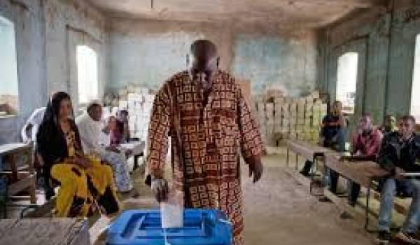 Mali : affluence des électeurs en progression pour élire le président