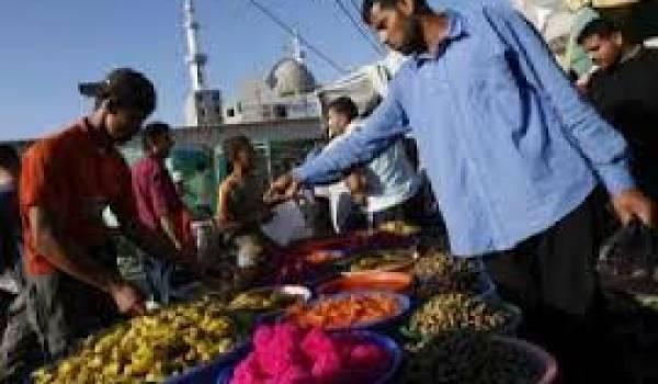 Les Algériens renouent avec la frénésie des courses toute la journée.