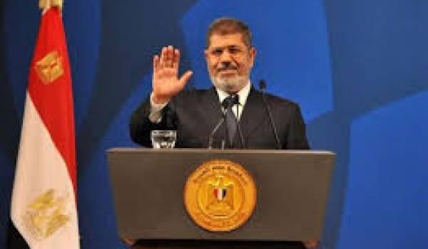 Mohamed Morsi dans les griffes de la justice militaire.